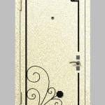Дверь с коваными элеменами