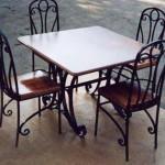 Комплектиз  кованого стола и стульев